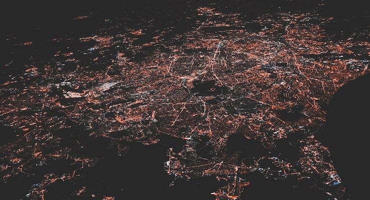 Een visuele weergave van de 5G frequentie in een stad