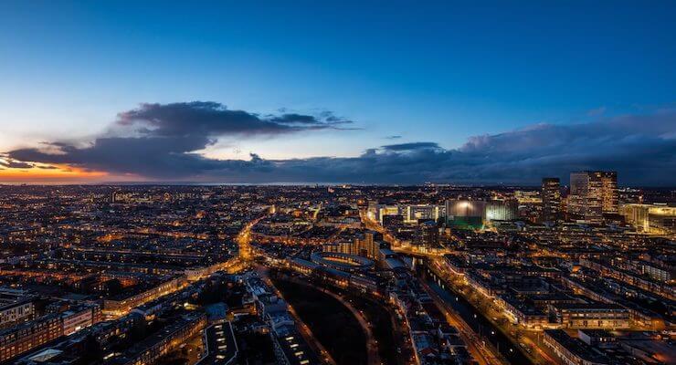 Het 5G netwerk dat zich verspreidt over Den Haag